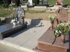 Bahama Blue és Multicolor gránit síremlékek